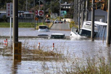 台風災害の示したもの —  全運輸区を対象に、組合員、他労組・未加入含めて アンケートを実施中